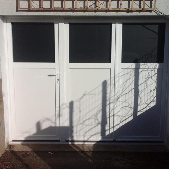 Porte de garage battante Giteau menuiserie Sarthe 72 Sablé-sur-Sarthe