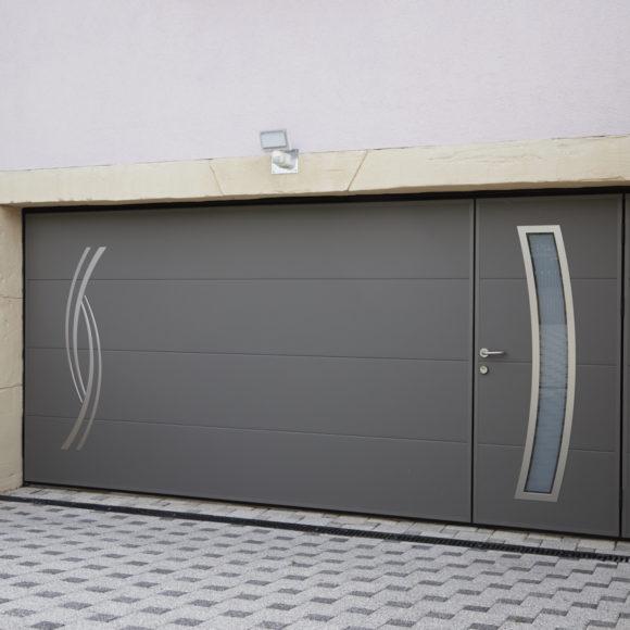 Porte de garage basculante Giteau menuiserie Sarthe 72 Sablé-sur-Sarthe