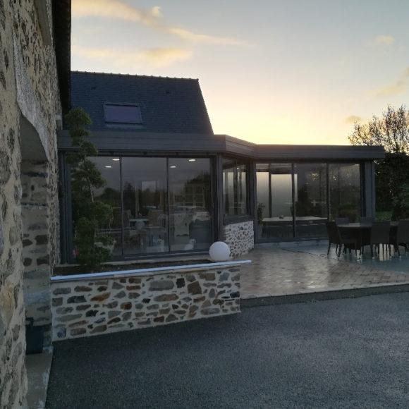 véranda toit plat Giteau menuiserie Mayenne 53 Meslay-du-Maine Laval