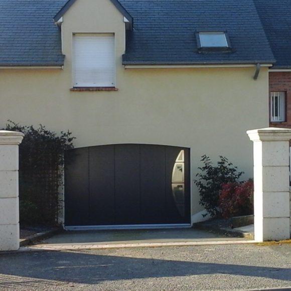 Porte de garage Giteau menuiserie 53